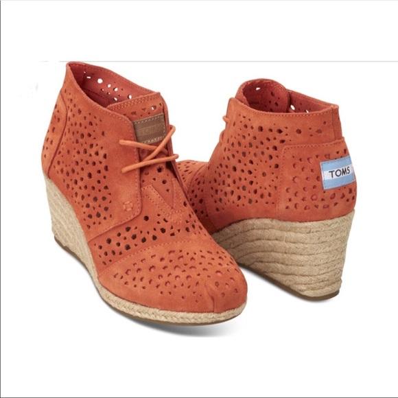 1b076c47235 TOMs Moroccan Desert Wedge cutout boot. M 5b953fb9fe5151a299b28178